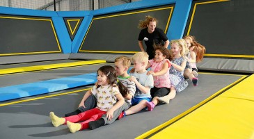 kids party trampoline oxygen