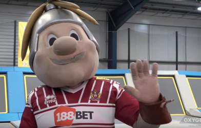 Wigan Warriors visit Oxygen Freejumping trampoline park in Wigan