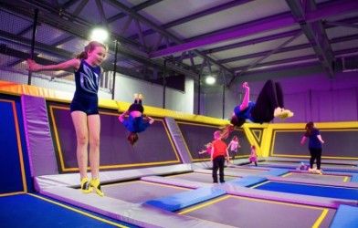 group backflips at Oxygen trampoline park